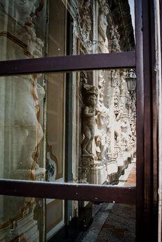 Palazzo Biscari -Via Museo Biscari, 10 Catania, il 23 aprile dalle ore 11.00 alle 12:30 Invasore: St.Gold #laculturasiamonoi #liberiamolacultura #invasionidigitali #InvasioneCompiuta