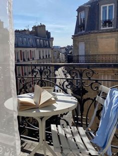 City Aesthetic, Travel Aesthetic, Living In Europe, Belle Villa, Paris Apartments, Dream Apartment, New Wall, Dream Life, Beautiful Places