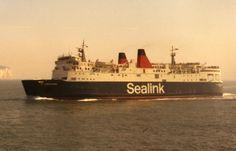 Isle Of Wight Ferry, British Rail, Opera House, Boats, Ships, Sea, Luxury, Travel, Viajes