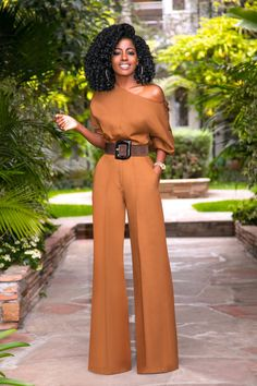 Off Shoulder Blouse + High Waist Pants – business professional outfits offices Business Professional Outfits, Business Outfits Women, Professional Wardrobe, Business Fashion, Business Wear, Fashion Pants, Look Fashion, Fashion Outfits, Woman Outfits