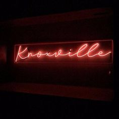 Long Custom Neon Sign (fr) 36 à l'isan Fait main personnalisé Electroluminescent Wire, Whimsical Wedding Inspiration, Pink Bomber, Modern Magic, Custom Neon Signs, Pink Drinks, Led Signs, Business Signs, Better Together