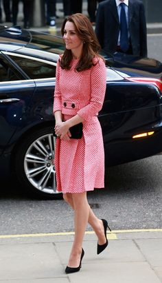 Catherine, Duchess of Cambridge visits the mentoring programme of the XLP project.London Wall on March 11, 2016 in London, England.