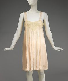 19-11-11  French silk slip, circa 1930