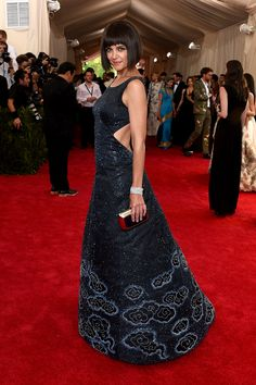 Katie Holmes in Zac Posen | Met Gala 2015 red carpet pictures | Met Ball fashion - Costume Institute Gala | Harper's Bazaar#xtravagans