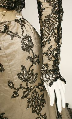 Evening dress Date: 1898–99 Culture: American Medium: [no medium available] Dimensions: [no dimensions available] Credit Line: Gift of Alan Wolfe, 1954