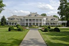 A Look at Mansions for Sale
