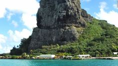 With its own high peaks, Maupiti is like a mini Bora Bora, without all the glitz. Its five islets are perfect for boat rides and beachside picnics. Mount Teurufaaitu is the highest point on the island, with incredible views of Raiatea, Bora Bora and Taha'a.