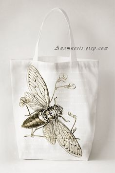 sweet bee bag. Bee Art, Bee Theme, Save The Bees, Bees Knees, Market Bag, Arts And Crafts Projects, Queen Bees, Canvas Tote Bags, Colorful Backgrounds