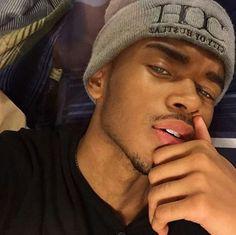 Fine Boys Images - Looking Good ❤ - Wattpad Fine Black Men, Gorgeous Black Men, Cute Black Guys, Handsome Black Men, Black Boys, Fine Men, Handsome Boys, Beautiful Boys, Cute Lightskinned Boys