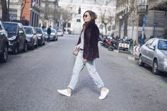abrigo de pelo, abrigo, pull and bear, zara, bershka, jeans, denim, jeans boyfriends, rayas, look sporty, look comfy, sueter, tendencia, blogger, blog de moda, streetstyle, ifestyle, fashion, chic, look, outfit, look of the day, outfit of de day