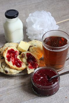 Bonjour Darling - Blog Illustration, Cuisine et DIY Bordeaux: Scones aux raisins pour petit-déjeuner au lit en amoureux