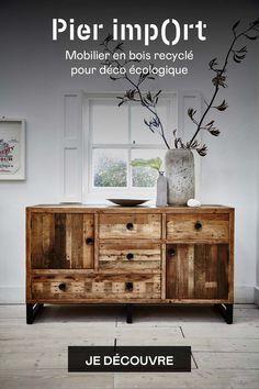 Ce meuble buffet bas est fabriqué en bois recyclé ayant le label FSC recyclé. Le meuble de rangement BRISBANE propose plusieurs tiroirs et portes afin d'y stocker de la vaisselle, si vous l'installez dans une salle à manger, ou du linge de maison si vous préférez le mettre dans un bureau ou une chambre. Les marques sur le bois sont authentiques, chaque buffet est unique, et apportent un côté industriel plein de cachet. Meuble couleur bois naturel, poignées et pieds en métal - largeur 152 cm Style Brut, Pier Import, Recycling, Cabinet, Afin, Brisbane, Storage, Furniture, Unique