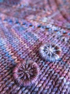 Dorset buttons assorted to your knitted garment in variegated yarn - neat ~~ Stitch N' Smile