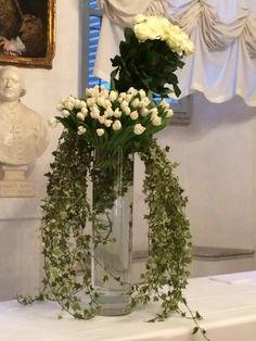 wedding decor in white and green with roses and tulips decorazioni floreali per matrimonio con rose e tulipani in bianco e verde