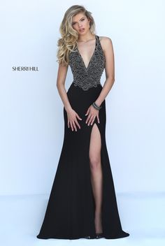 Sherri Hill dresses are designer gowns for television and film stars. Find out why her prom dresses and couture dresses are the choice of young Hollywood. Split Prom Dresses, Grad Dresses Short, Sherri Hill Prom Dresses, Black Prom Dresses, Sexy Dresses, Beautiful Dresses, Formal Dresses, Dress Black, Party Dresses