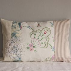 Cushion slip vintage embroidery blue lilac by roxycreations Embroidery Transfers, Embroidery Patterns, Hand Embroidery, Cushion Embroidery, Embroidery Tools, Embroidery Stitches, Machine Embroidery, Vintage Embroidery, Vintage Sewing