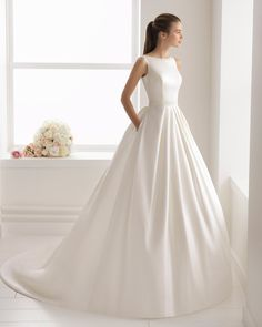 Aire Barcelona Bliss Collection 2018 - Boutique the Bride: collection of romantic bridal dresses, beach wedding dresses, vintage bridal gowns, classic bridal gowns . Classic Wedding Dress, Princess Wedding Dresses, Perfect Wedding Dress, Bridal Wedding Dresses, Dream Wedding Dresses, Wedding Themes, Bateau Wedding Dress, 2017 Bridal, Backless Wedding