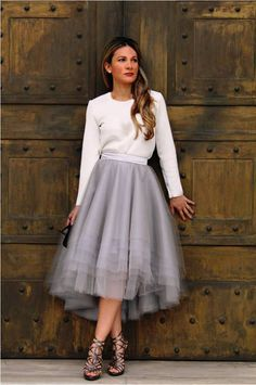 Jupon en tulle : SKIRT High-Low Assymetrical Grey Tulle Custom with Satin Lining Bridal Separates/Robe de Mariée Black Tulle Skirt Outfit, Skirt Outfits, Dress Skirt, Dress Up, Waist Skirt, Midi Skirt, Best Casual Outfits, Cool Outfits, Silvester Outfit