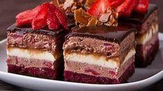 """Prăjitura """"Fermecătoare"""" – cea mai fină şi ademenitoare prăjitură, ce se topește în gură. Te va cuceri instantaneu cu gustul său divin! Încearcă-o nu mai sta pe gânduri! INGREDIENTE: Pentru blat : 30 g de gălbenuș 40 g de albuș 48 g de zahăr 15 g de cacao pentru jeleul de zmeură 200 g de …"""