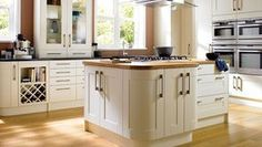 Tiverton, Bone - by Wickes. Tiverton Bone is crafted with solid oak frames and veneered centre panels, with sleek stainless steel handles to keep it modern and fresh. Kitchen Interior, Custom Kitchens, Kitchen Remodel, Order Kitchen, New Kitchen, Kitchen Fittings, Kitchen Gallery, Kitchen Style, Kitchen Renovation