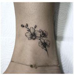 50 Arm Floral Tattoo Designs für Frauen 2019 – Seite 19 von 50 - New Ideas - Orchideen Cute Ankle Tattoos, Ankle Tattoo Small, Cute Small Tattoos, Pretty Tattoos, Cute Tattoos, Body Art Tattoos, Sleeve Tattoos, Flower Ankle Tattoos, Foot Tattoos