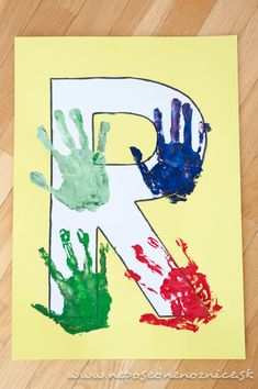 R - Ruka     K tomuto písmenku  netreba hádam nič dodať. Stačí si vysúkať rukávy a hor sa do pečiatkovania .           Najjednoduchšie by ...