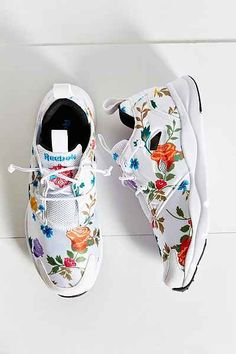 Reebok Tropical Running Sneaker - Urban Outfitters