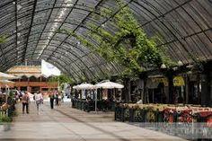 Rua Coberta em Gramado. Local de bares, lojas e cafeterias, perfeito para relaxar. O local também é palco de eventos que ocorrem na cidade como a Chocofest.