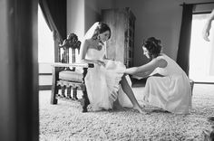An artsy shot of the bride getting ready | Jenna Leigh Photography
