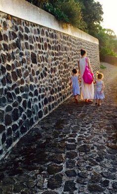 oilnanoolamoda: la mamma che costruiva castelli di sabbia e parole...