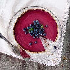 Mustikkajuustokakku // Blueberry Cheesecake Food Marianne Heikkilä Style Emilia Kolari Photo Heidi Strengell Maku 2/2013, www.maku.fi