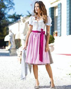 #dirndllove 🦋#dirndlzeit #trachtenmode #wimmertracht #dirndltime #trachtenmadl #dirndlkleid #dirndlgwand #dirndlschmuck | S❤ Dirndl Dress, Cute Girls, Midi Skirt, Skirts, Outfits, Instagram, Dresses, Fashion, Oktoberfest