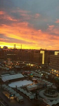 Tramonto su Alexander Platz