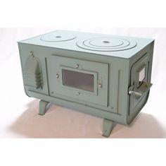"""北の国からのじゅんくんが使っていた薪ストーブを製造、販売しています。鉄板製で熱効率はバツグン!昔ながらのタマゴ型をはじめ角型薪ストーブもあります。 『薪の火がみたい!』とのご要望にお応えして・・薪の火は目に癒しを与えるそうです♪ 鉄板製薪ストーブとしては画期的!今回3面に窓をつけて、どこからも見えるように! 燃焼効率バツグン!鉄板なのですぐにあたたまる~石油では味わえない薪のあたたかさ、 暖をとるのに経済的な鉄板製薪ストーブ、角型3面窓付薪ストーブ""""FIRE SIDE""""、 Hammock Tarp, Tyni House, Stoves Cookers, Rocket Stoves, Camping Equipment, Washing Machine, Cool Designs, Kitchen Appliances, Interior"""