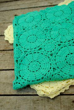 Crochet circle motif