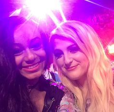 Nia Sioux and Megan Trainer at Kids Choice Awards 2015!
