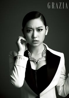 Snl, Korean Actresses, Korean Actors, Queen Of The Ring, Drama Songs, Stunningly Beautiful, Love Affair, Celebs, Celebrities