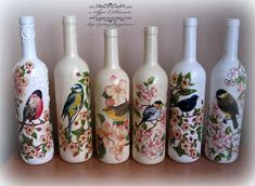 : Rosy jewellery box and bird bottles Painted Glass Bottles, Glass Bottle Crafts, Wine Bottle Art, Diy Bottle, Decoupage Glass, Jar Art, Bottle Painting, Mason Jar Diy, Dose