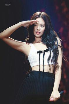Your source of news on YG's biggest girl group, BLACKPINK! Blackpink Jennie, Yg Entertainment, Snsd, South Korean Girls, Korean Girl Groups, Rapper, Blackpink Photos, Soyeon, Kpop Girls