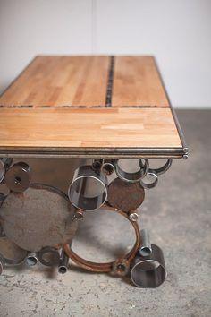 acero y madera mesa reciclada por PecanWorkshop en Etsy