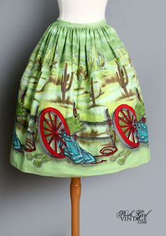 1950's Novelty Print Wagon Wheel Western Print Full Skirt - L