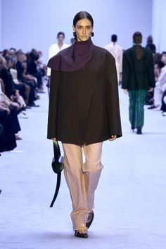 Runway Fashion, Fashion News, Fashion Beauty, Womens Fashion, Fashion Trends, Milan Fashion, Fashion Catalogue, Fashion Show Collection, High By The Beach