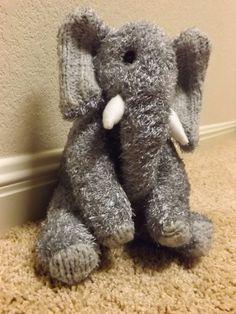 James ist ein Hand genähte Socken Elefant. Ca. 8 von ChikiMonkeys