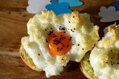Gudrun's daily kitchen-a foodblog- cloud eggs!