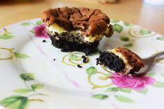 Ein Rezept für alle, die es besonders süß mögen: Amerikanische Nutella-Cheesecakes mit Oreo, Schlagobers und Frischkäse.