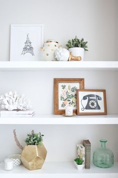 great styling on these shelves. really highlights personal belongings and tells a story.