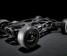 Este coche RC propulsado por gomas elásticas será la envidia de todos los aficionados
