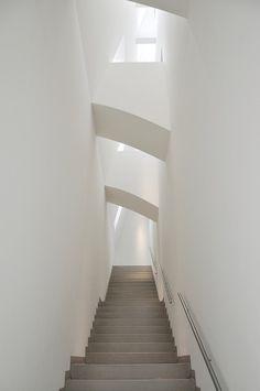 MMK : Museum für Moderner Kunst, Frankfurt am Main Germany (1982-1991)   Hans Hollein   Image : Jaime Silva