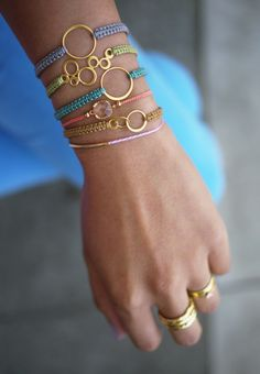 Idée et inspiration Bijoux : Image Description Loopy elegance I Love Jewelry, Diy Jewelry, Jewelry Box, Jewelry Accessories, Fashion Accessories, Jewelry Design, Jewelry Making, Jewelry Ideas, Cute Bracelets