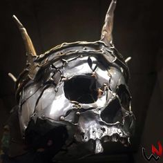 💀In the land of the blind, the one eyed man is king 👑 Metal Skull, Skull Art, Skull Reference, Totenkopf Tattoos, Sculpture Metal, Skull Pictures, Dark Tattoo, Scrap Metal Art, Iron Art
